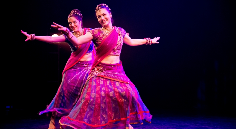 Bongo Bongo: Fift scene of the performance Bombay Express by dance collective Bollylicious